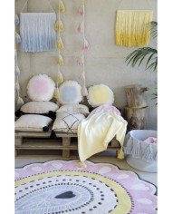 wall-decor-garland-pom-pom-tie-dye-pink (2)