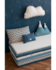 mood-nobodinoz-mattresses-pierrot-moon-blue-mountain-cushion-gold-stella-night-blue-wallpaper-marshmallow-cloud-cushion-copyright-2_1